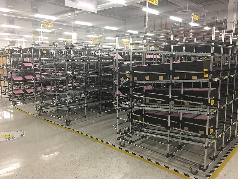 Gravity flow racks in 5S warehouse